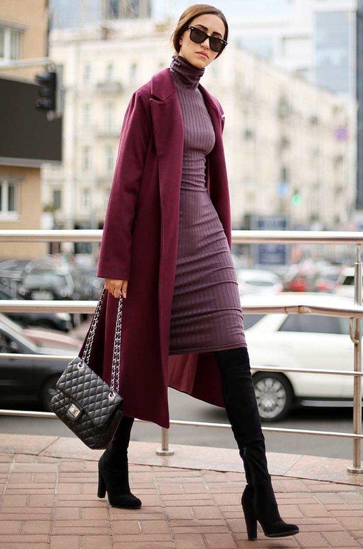 Бордовое удлиненное пальто с платьем