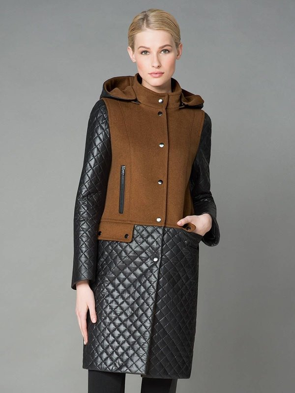 Коричнево-черное пальто с капюшоном и стегаными вставками