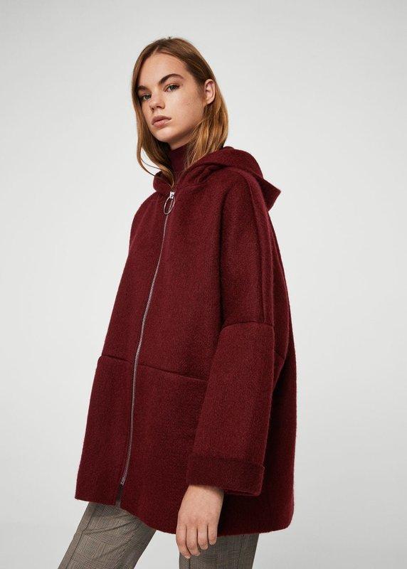Бордовое пальто оверсайз с капюшоном