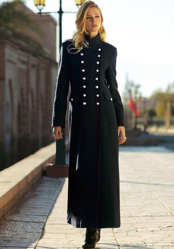 Черное твидовое пальто-шинель