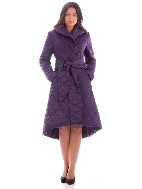 Фиолетовое стеганое пальто с асимметричным подолом