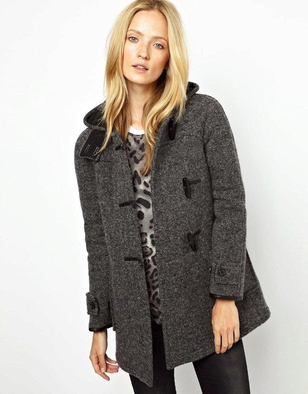 Темно-серое твидовое пальто дафлкот