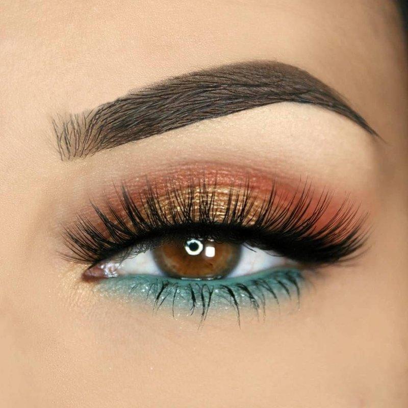 Макияж с яркими тенями для карих глаз