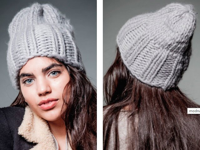 вязание английская резинка шапка модная спицами