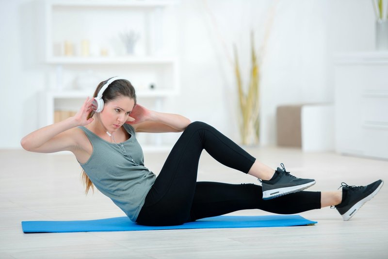 Гимнастика Для Похудения Дом. Тренировки для похудения дома без прыжков и без инвентаря (для девушек): план на 3 дня