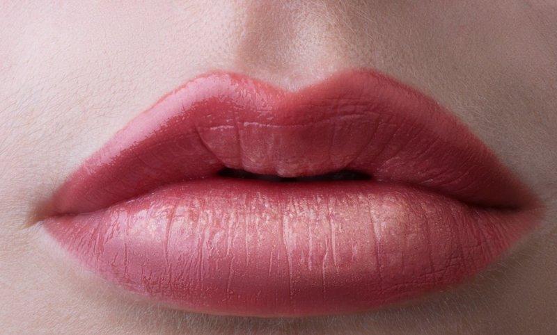 Контурная обводка губ с растушевкой
