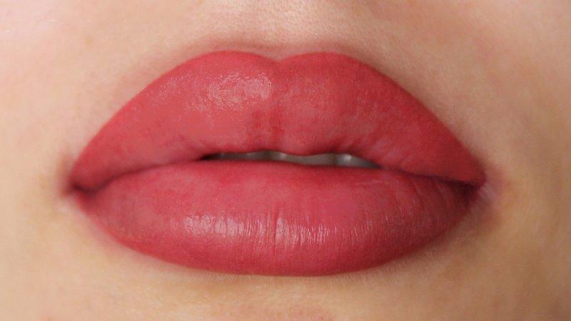 Перманентный макияж губ в технике 3Д