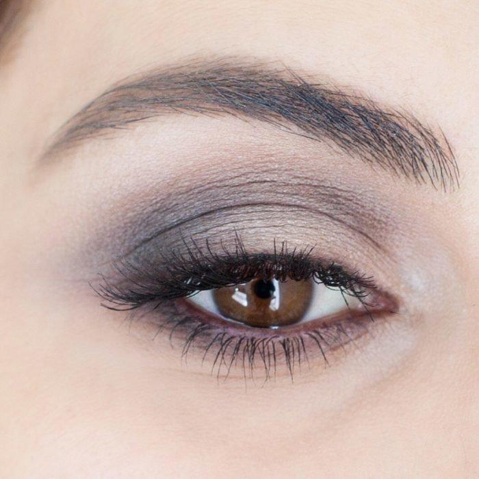 Нежный дневной макияж для карих глаз