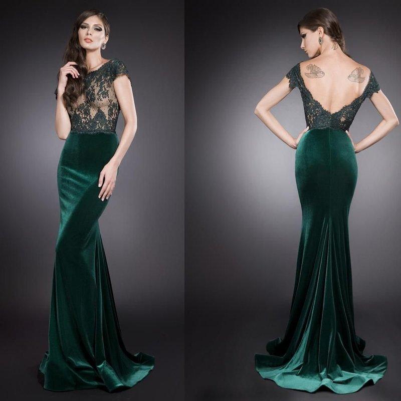 Модель платья из бархата