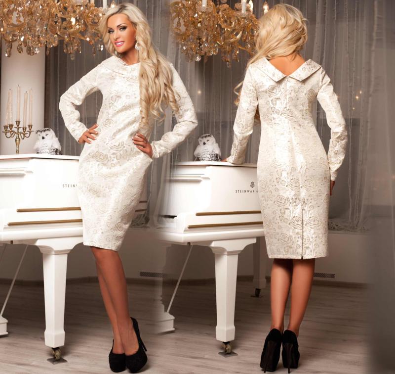 Белое платье из парчи