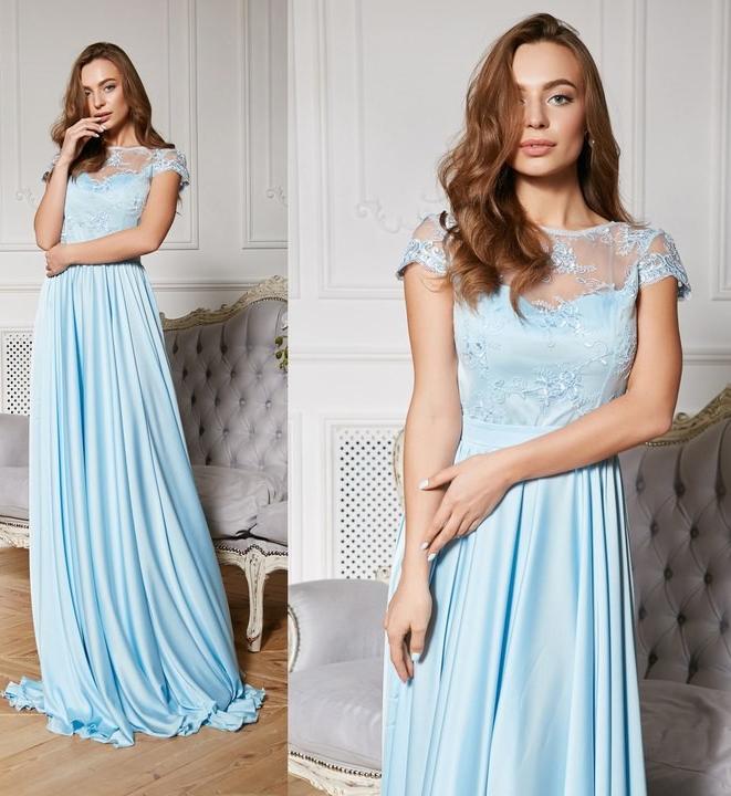 Платье небесного оттенка