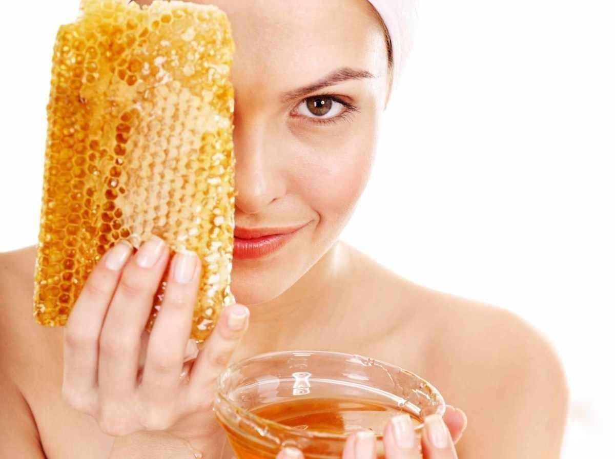 Увлажняющая маска для лица в домашних условиях с медом