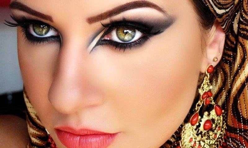 Восточный макияж для зелёных глаз