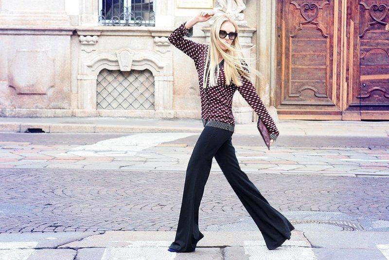 Модные широкие брюки на весну