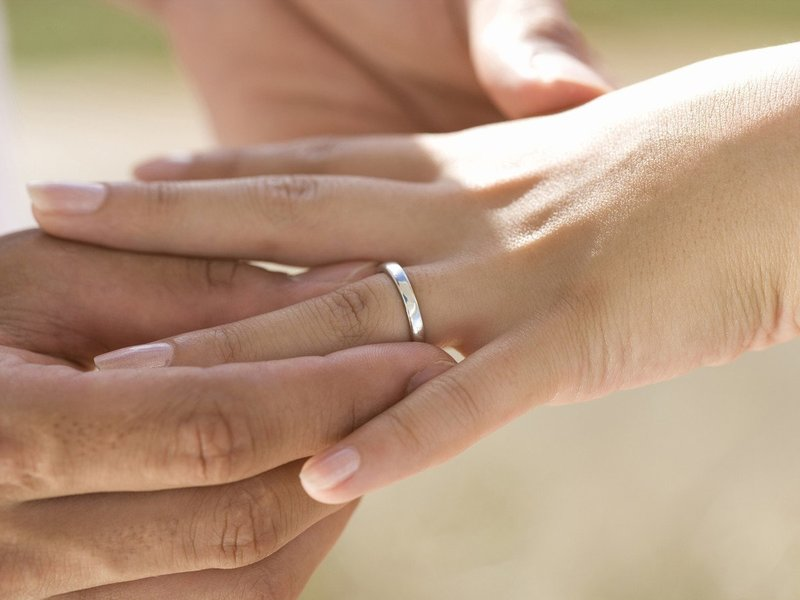 Украшение на свадьбу из белого золота