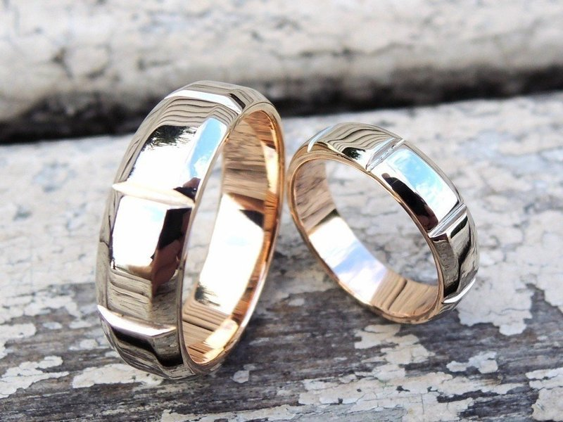 Обручальные изделия из розового и желтого золота