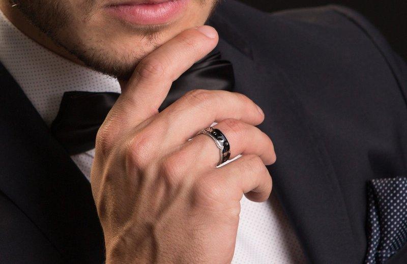 Черное обручальное кольцо для мужчины