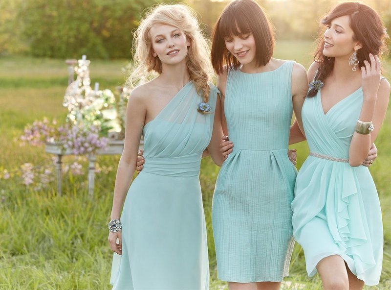 Нежные вечерние короткие платья