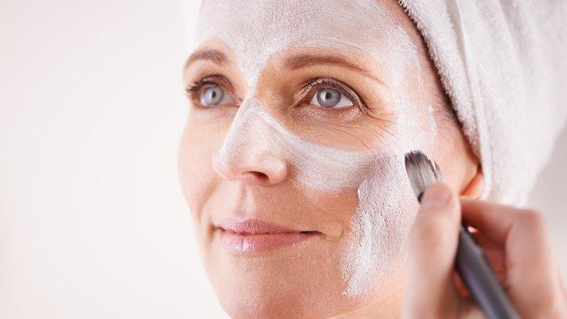 Нанесение маски с крахмалом