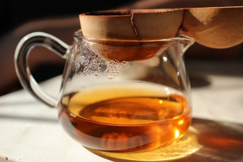 Процесс заваривания чая