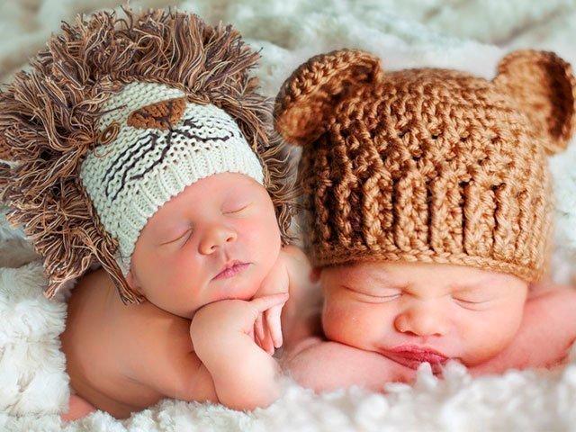 Для цього багато батьків не просто купують своїм дітям шапочки dbcbaff8241f3
