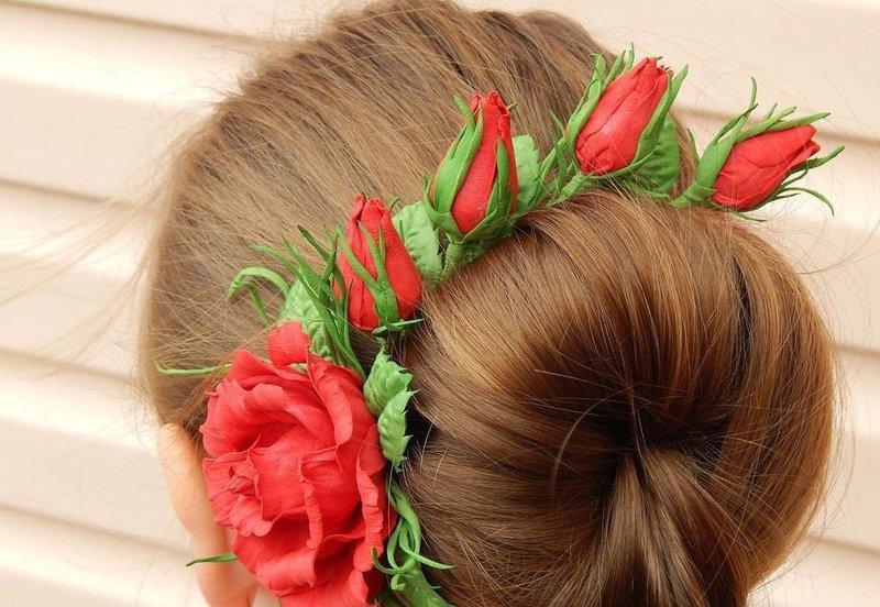 Необычное украшение из цветов