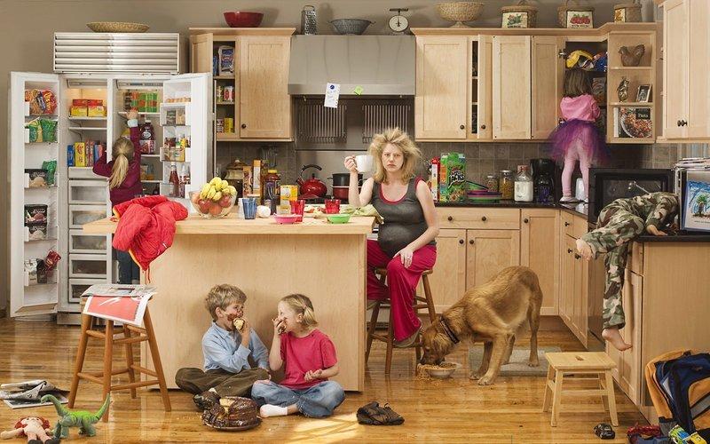 Распространённая ошибка женщины: взваливать на себя все дела по дому