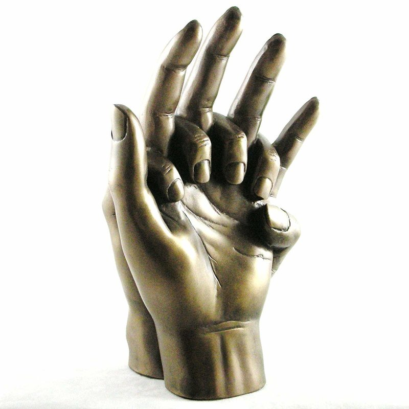Слепок рук в бронзе