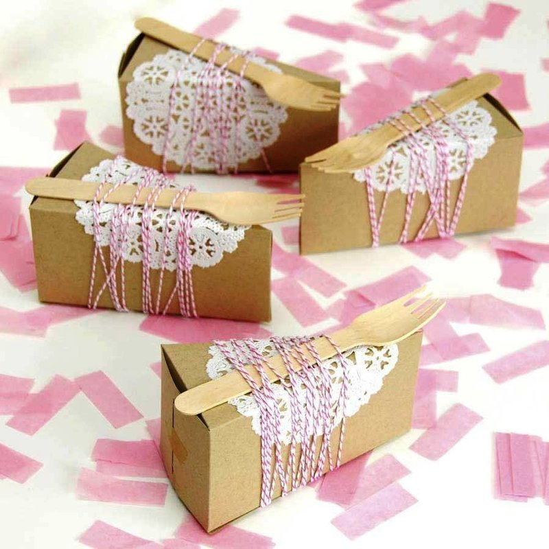 Треугольная свадебная подарочная коробка