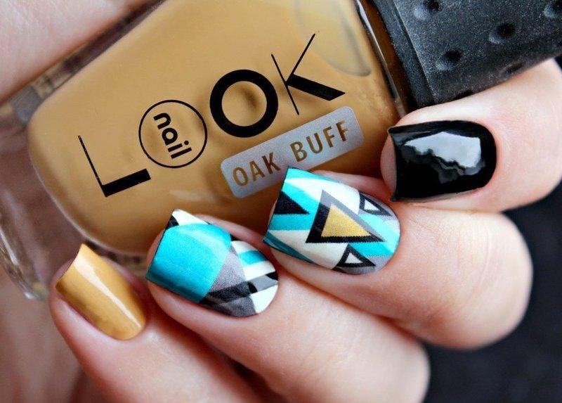 Необычная геометрия на ногтях
