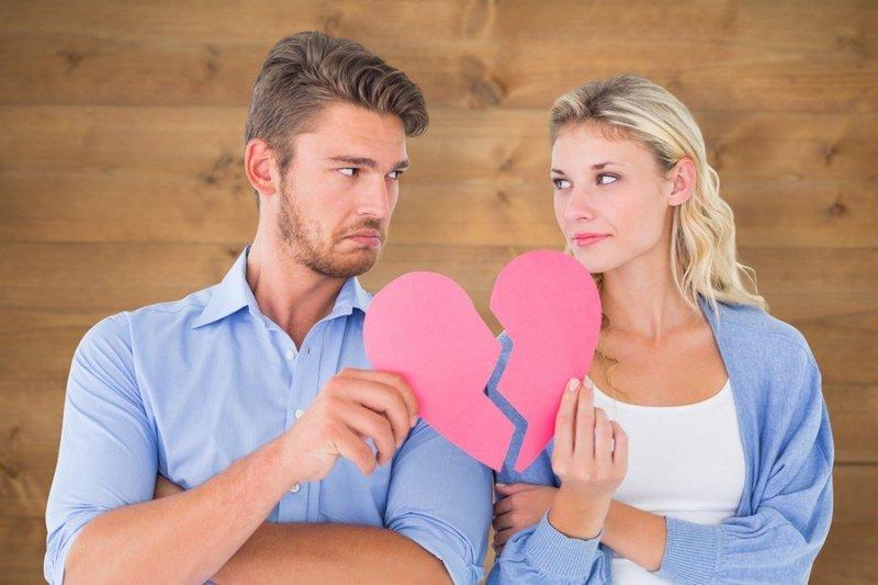 Причины того, что люди годами не могут пережить расставание