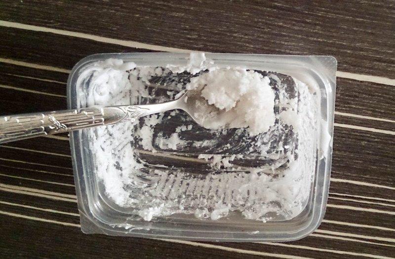 Смесь соды и пены для бритья