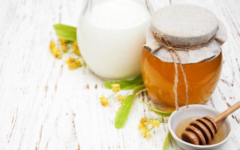 Ингредиенты для маски с медом и содой
