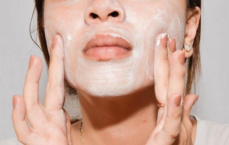 Нанесение маски с содой