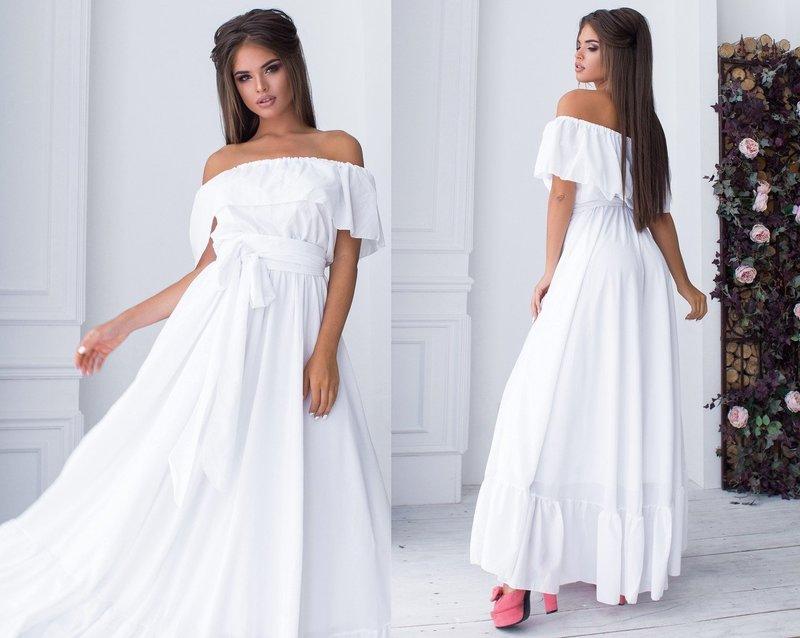 Белое платье в пол свободного покрова