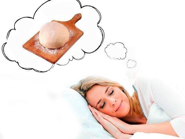 К чему снится тесто женщине месить видеть сонник