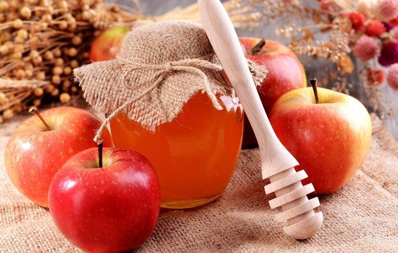 Яблоко и мёд