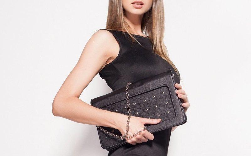 Черная сумочка под платье-футляр