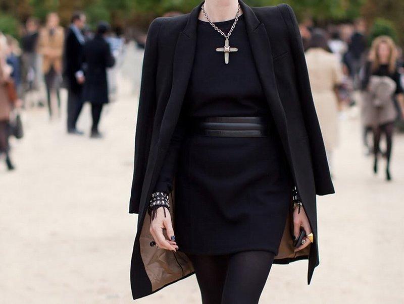 Модный образ с ремнем и пальто