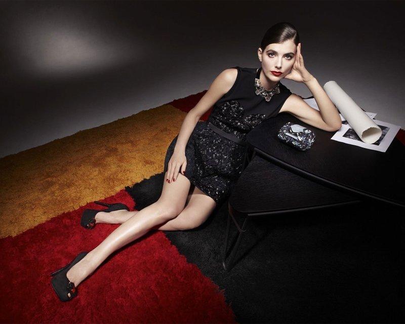 Черные туфли под платье-футляр