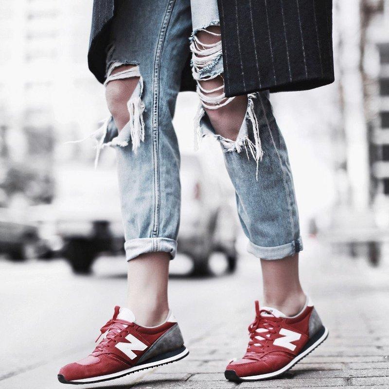 Стильный образ с кроссовками