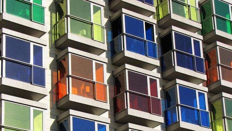Разноцветные окна