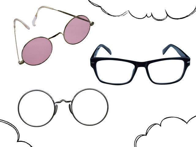 К чему снятся очки - сонник комментирует сон.