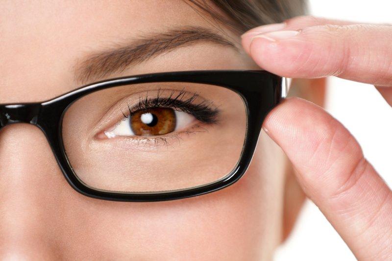 Очки снятся женщине