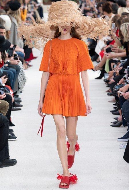 Летнее платье с плиссировкой от Valentino