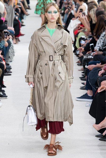 Плиссированное пальто от Valentino