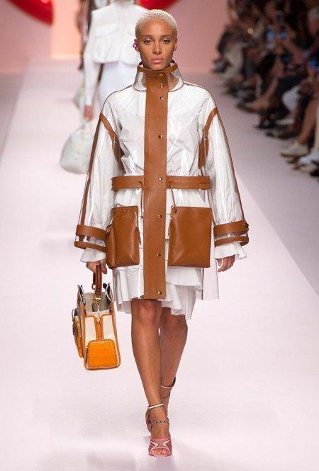 Образ с карманами от Fendi