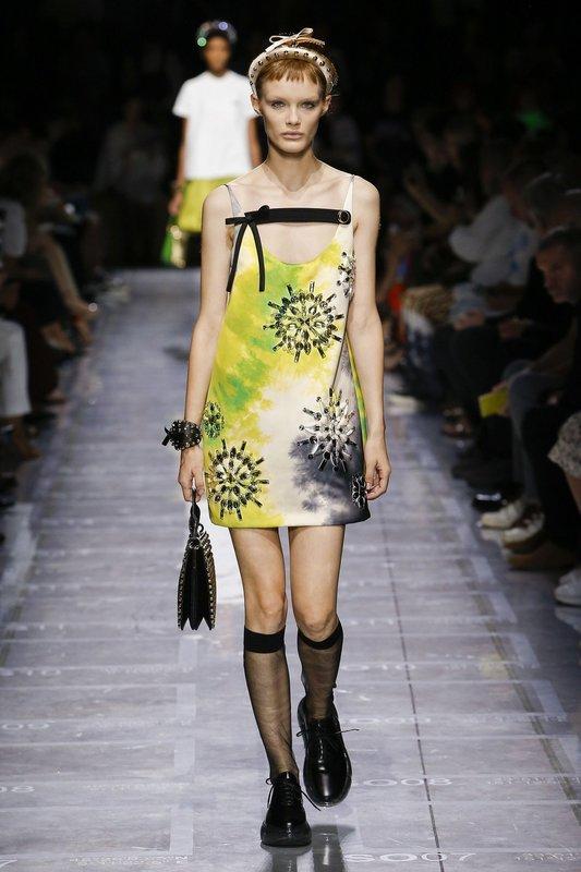 Платье в стиле tie-dye от Prada