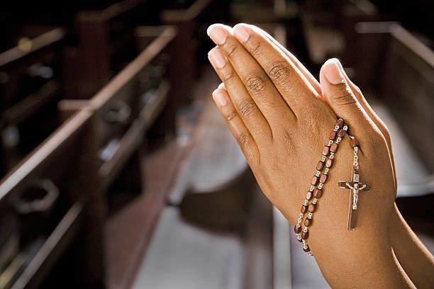 Три молебна на деньги