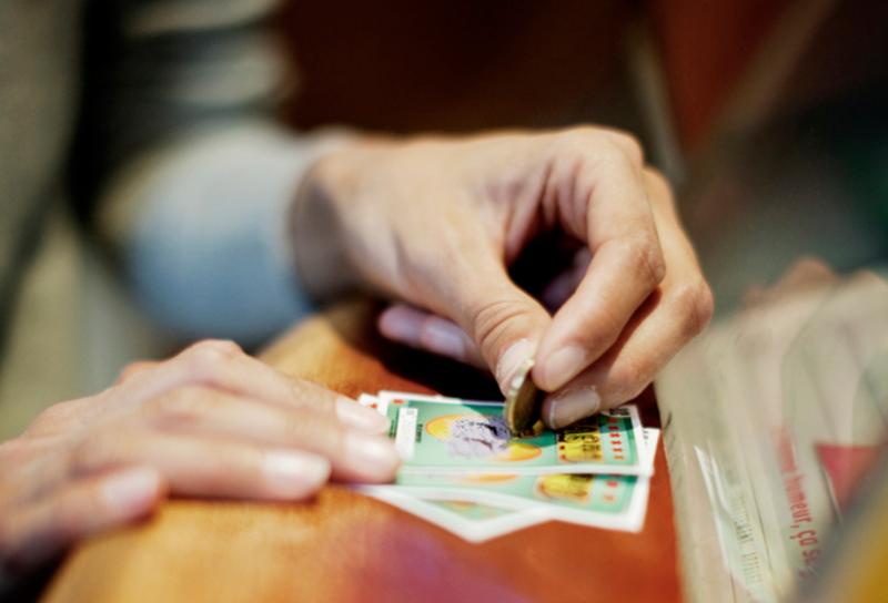 Заговоры на выигрыш в лотерею: как читать?